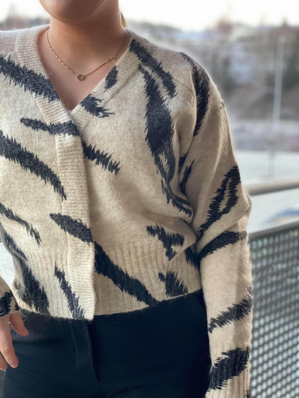 Rego Knit Cardigan