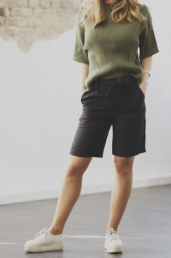 Yin shorts, black