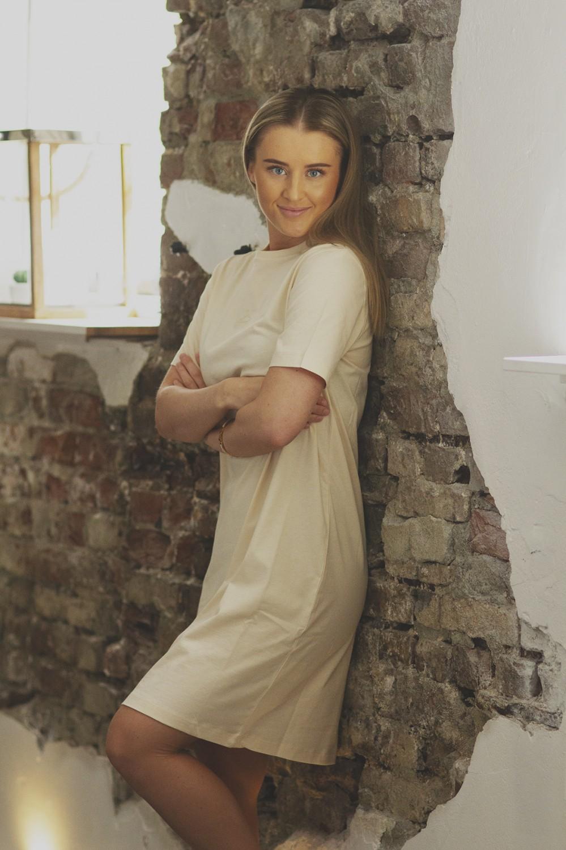 Swan dress, SAND
