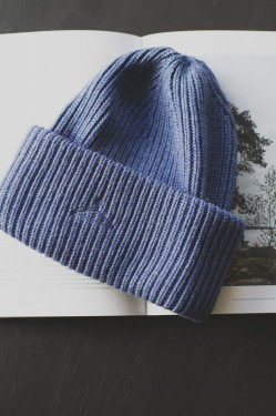 HYPNOTIZED Beanie, Denim
