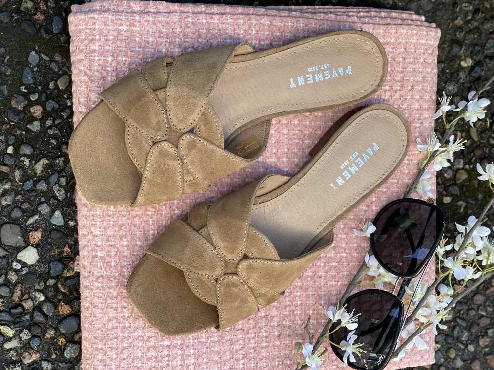Gin Taupe Suede