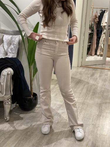 Naomi Jeans Moonbeam