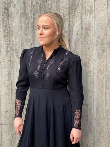 Elegant Lace Mini Dress