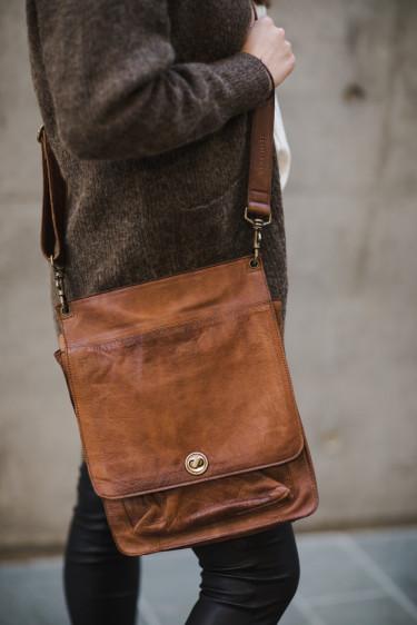 Lenvik Urban Bag WALNUT