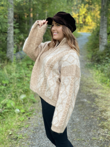 Tine Cable Knit Cardigan