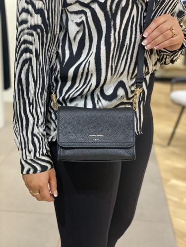 Ravea small leather handbag