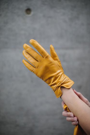 Alena Gloves